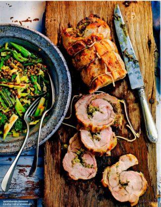 Запеченная свинина с капустой и чечевицей